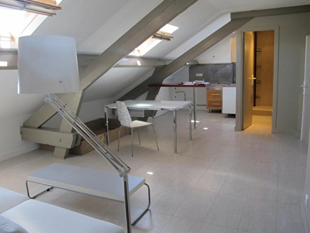 Appartement à louer 2 56.82m2 à Clamart vignette-1