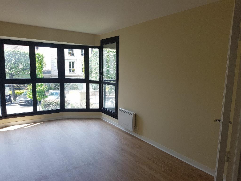 Appartement à louer 2 57.74m2 à Clamart vignette-1