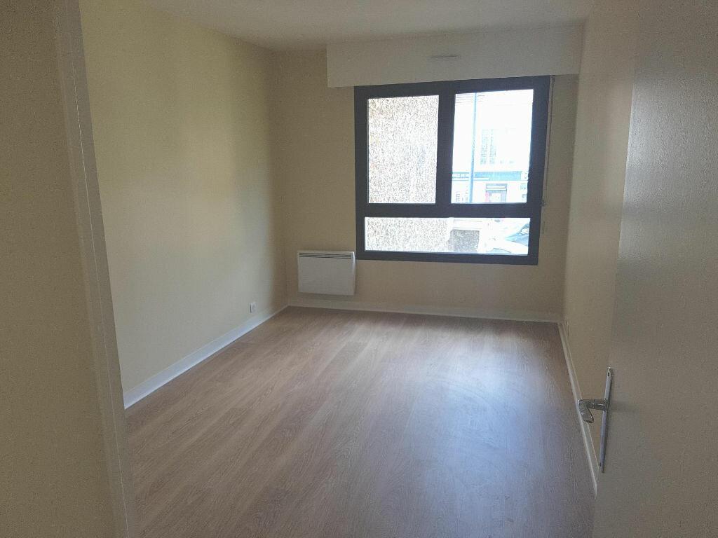 Appartement à louer 2 57.74m2 à Clamart vignette-7