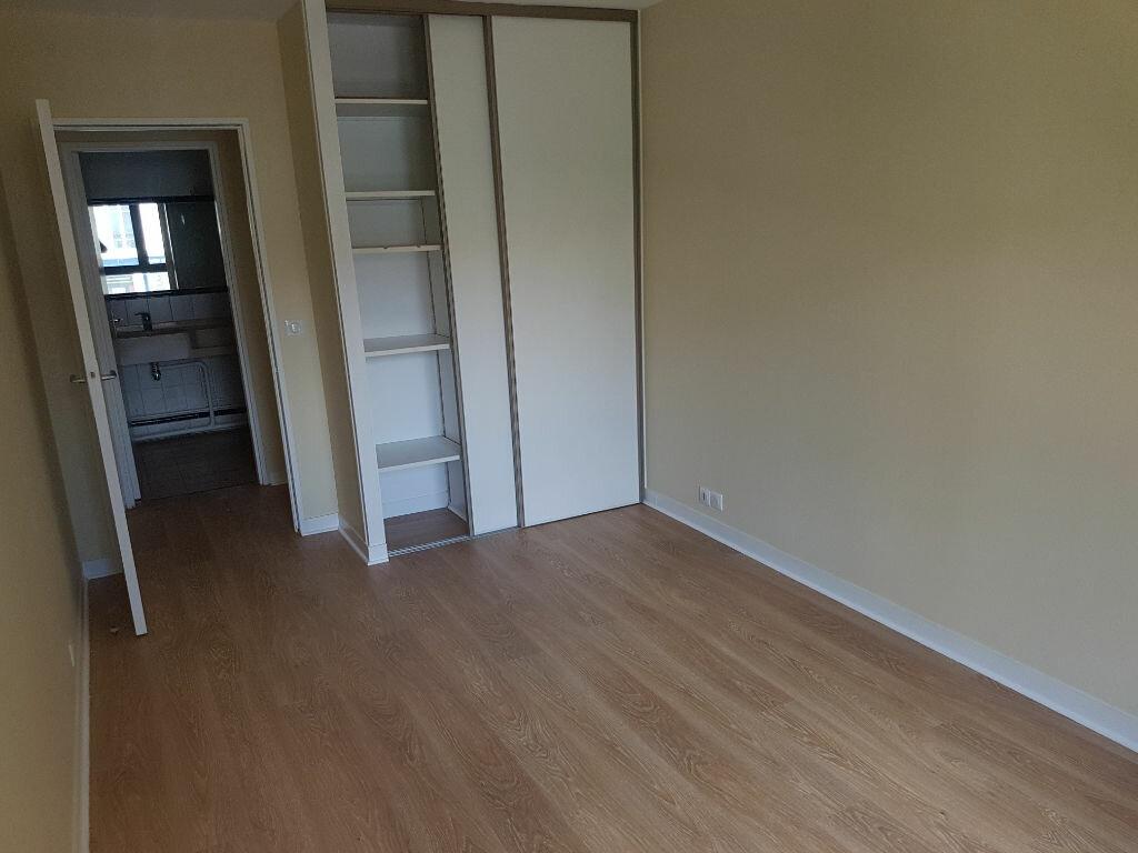 Appartement à louer 2 57.74m2 à Clamart vignette-8