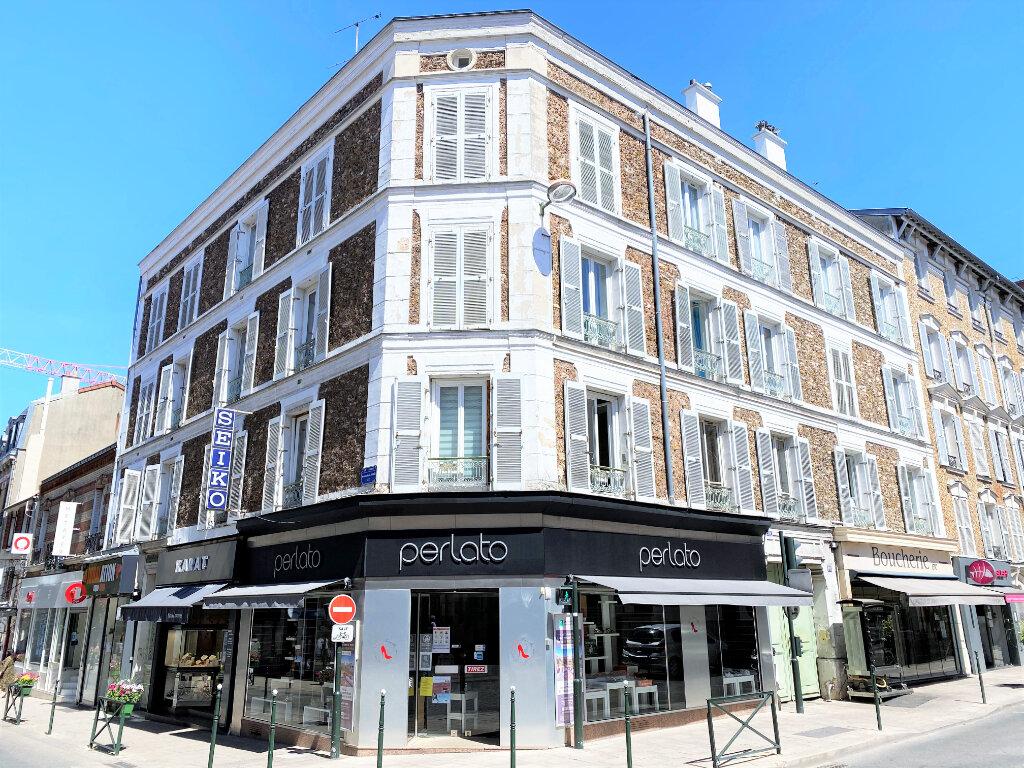 Appartement à vendre 4 74.79m2 à Clamart vignette-1