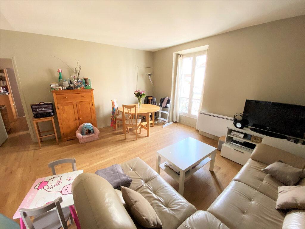Appartement à vendre 4 74.79m2 à Clamart vignette-3