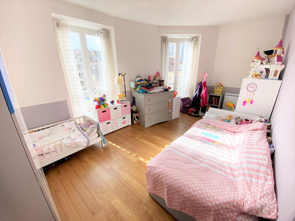 Appartement à vendre 4 74.79m2 à Clamart vignette-5
