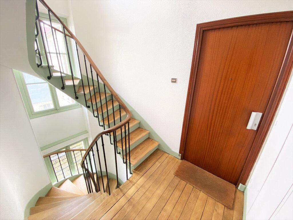 Appartement à vendre 4 74.79m2 à Clamart vignette-8