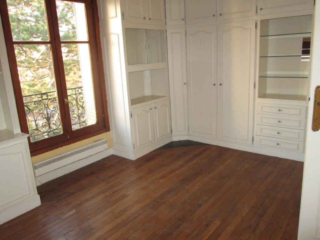 Appartement à louer 2 42.18m2 à Clamart vignette-1