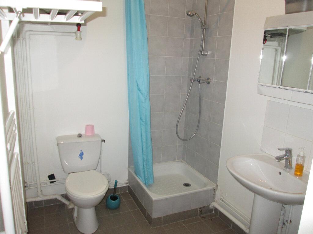 Appartement à louer 1 24m2 à Clamart vignette-3