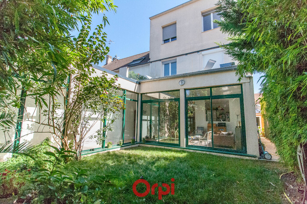 Maison à vendre 9 215m2 à Clamart vignette-1