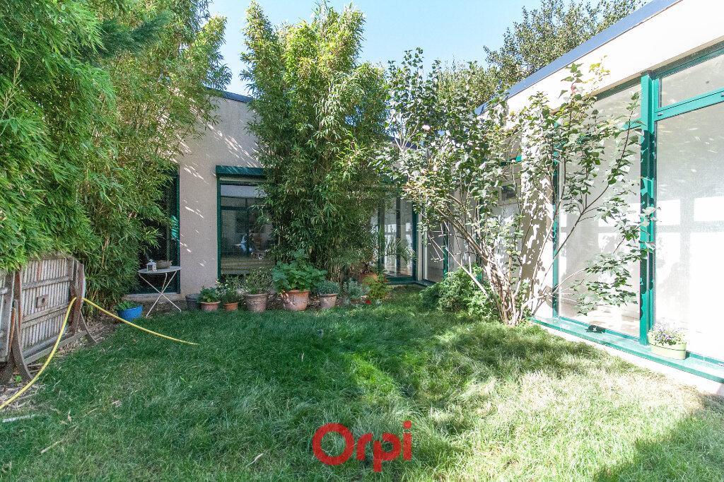 Maison à vendre 9 215m2 à Clamart vignette-2