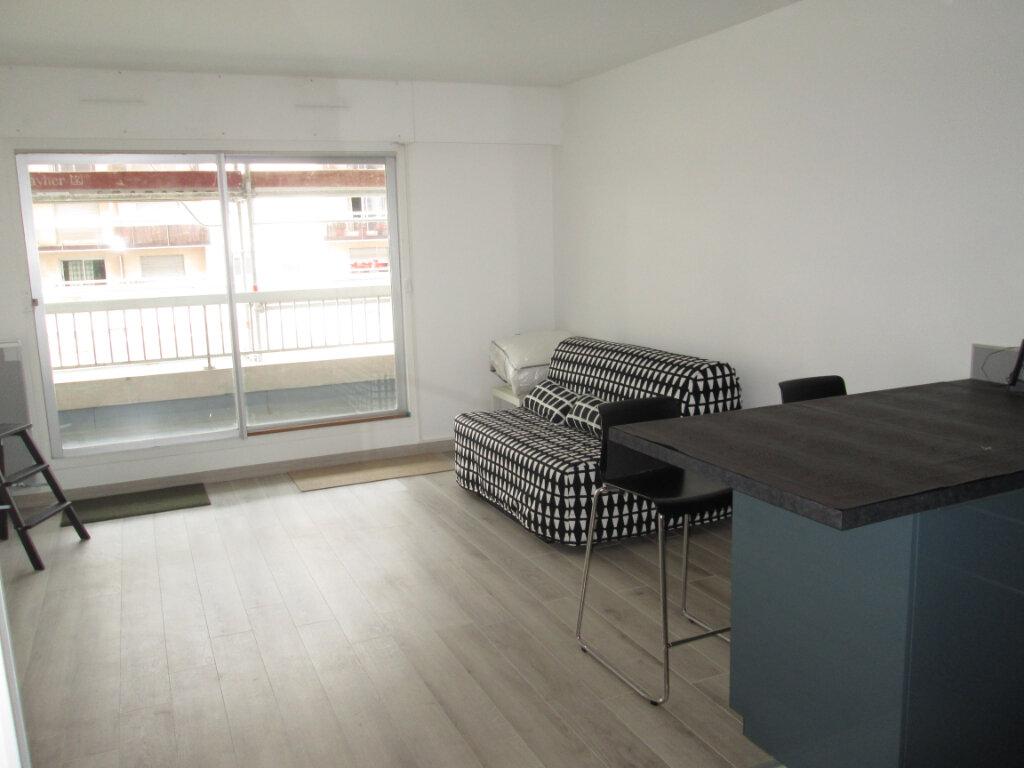 Appartement à louer 1 27.22m2 à Clamart vignette-1