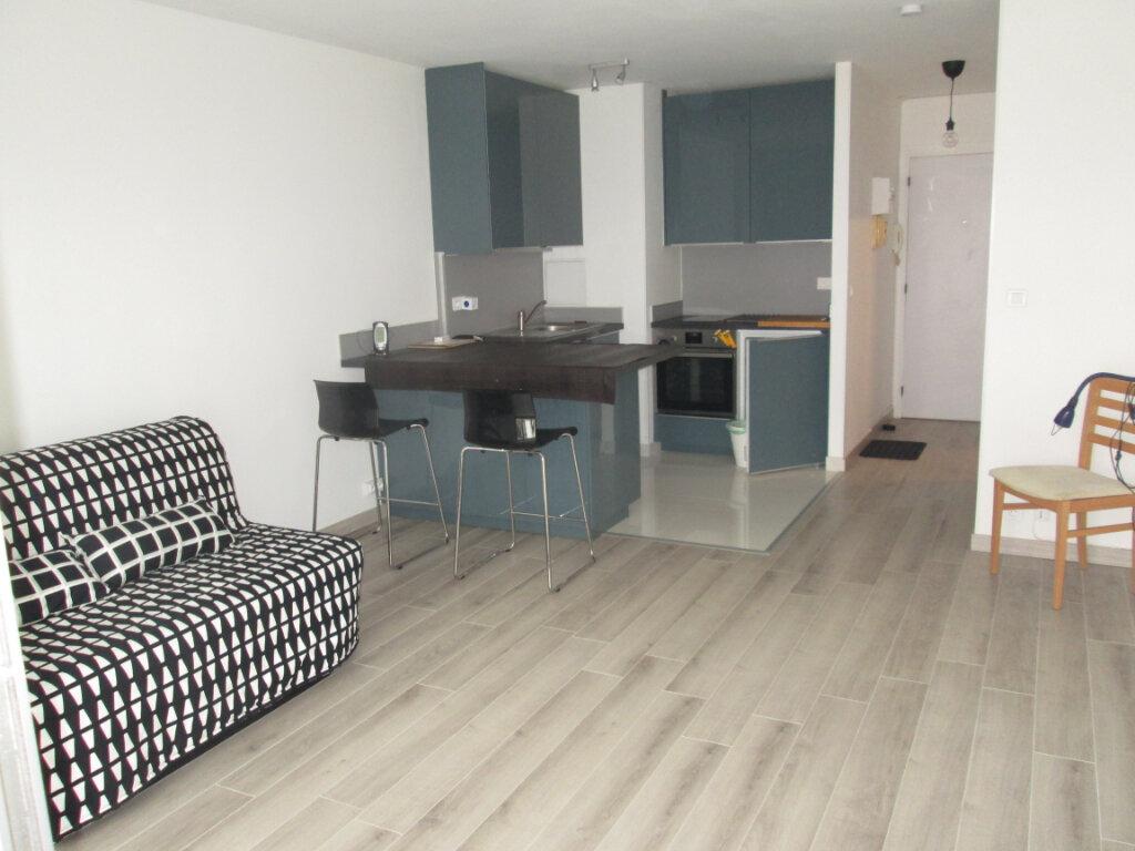 Appartement à louer 1 27.22m2 à Clamart vignette-3