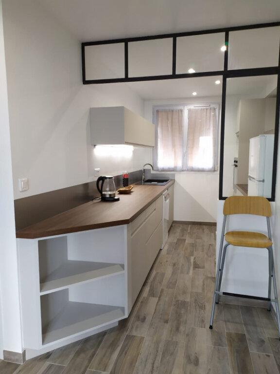 Appartement à louer 2 56.44m2 à Clamart vignette-1
