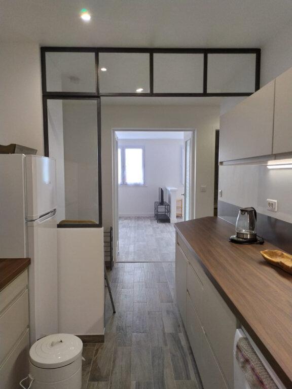 Appartement à louer 2 56.44m2 à Clamart vignette-3