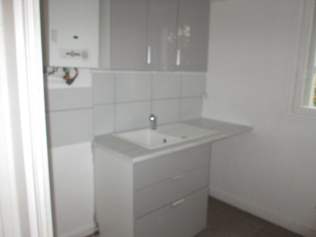 Appartement à louer 1 29.7m2 à Clamart vignette-3