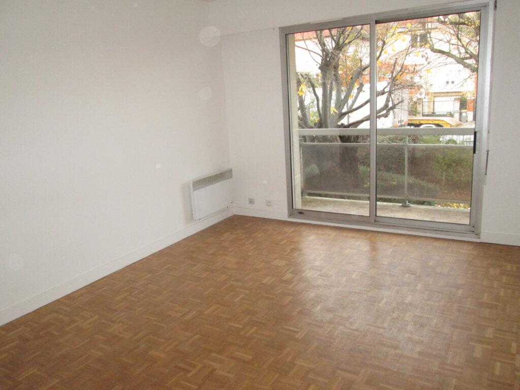Appartement à louer 2 42.22m2 à Vanves vignette-2