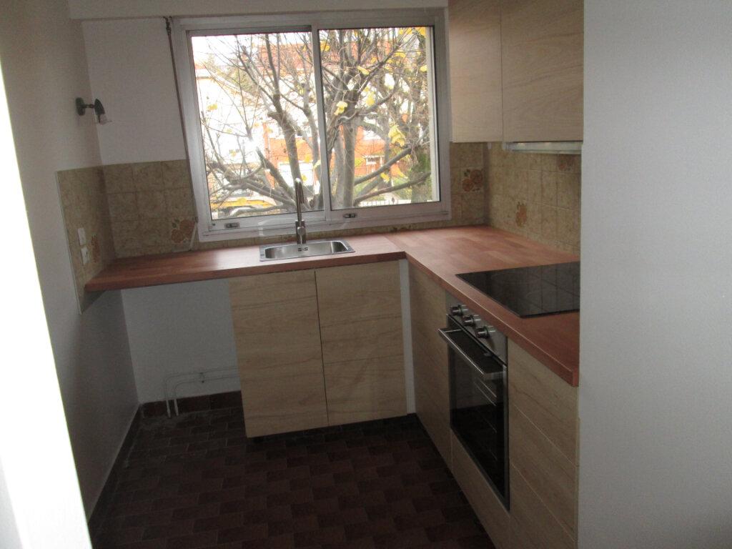 Appartement à louer 2 42.22m2 à Vanves vignette-5