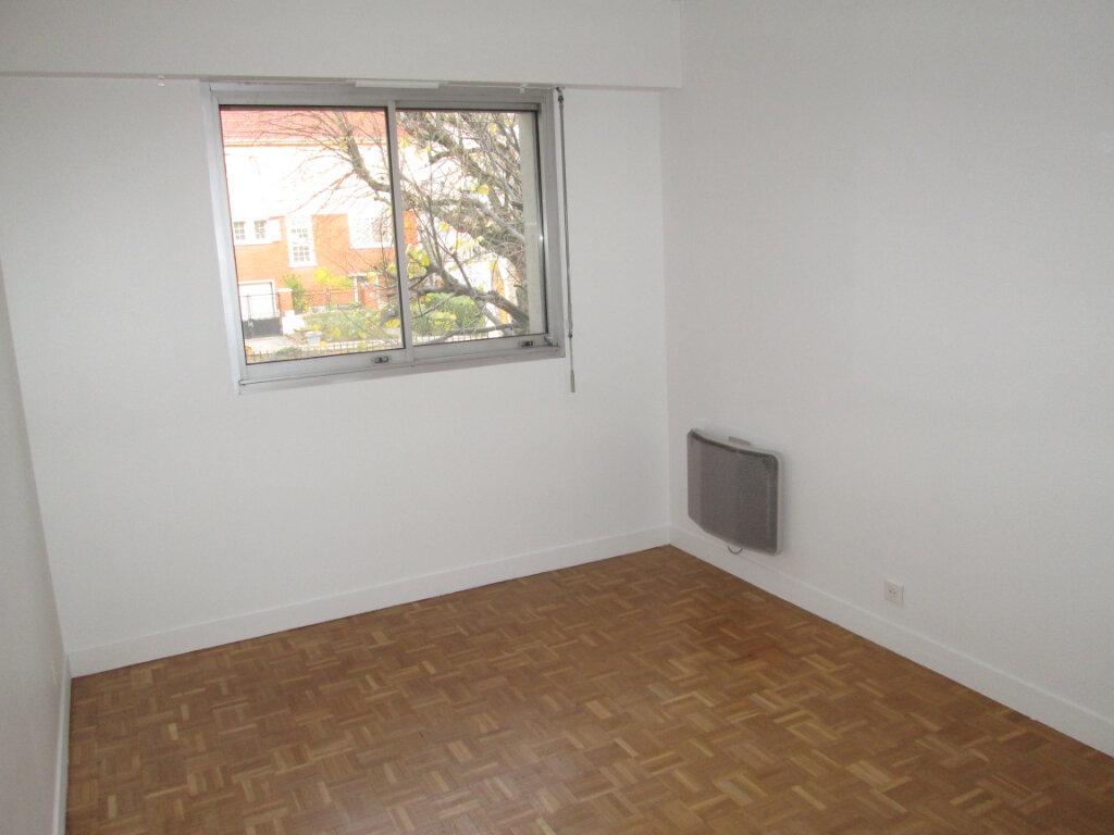 Appartement à louer 2 42.22m2 à Vanves vignette-6