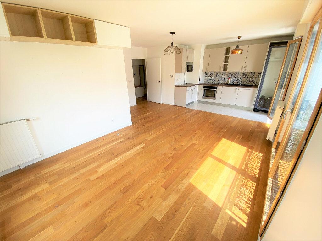 Appartement à vendre 3 67m2 à Clamart vignette-3