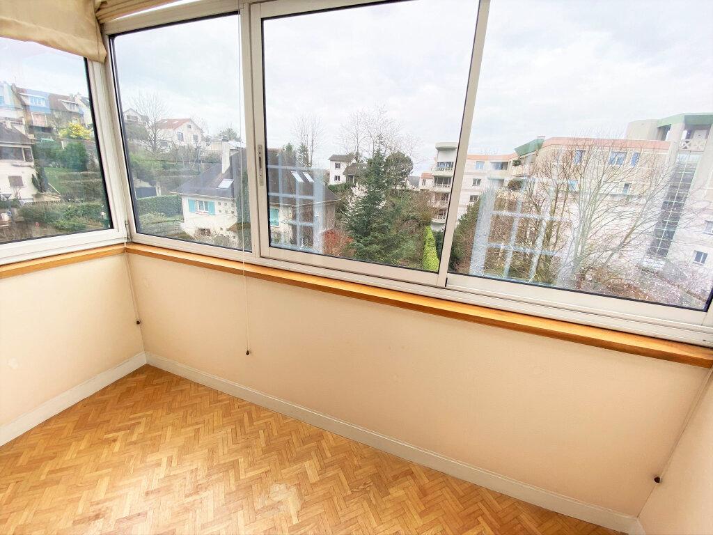 Appartement à vendre 4 101m2 à Clamart vignette-1