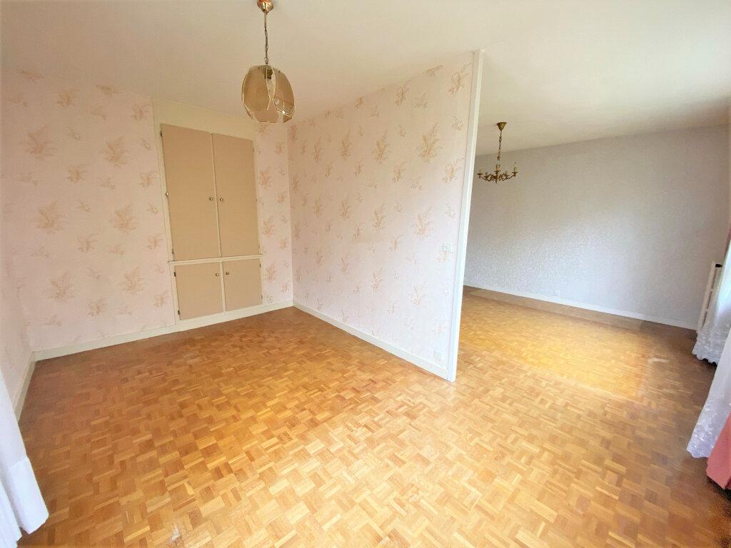 Appartement à vendre 4 66m2 à Clamart vignette-4