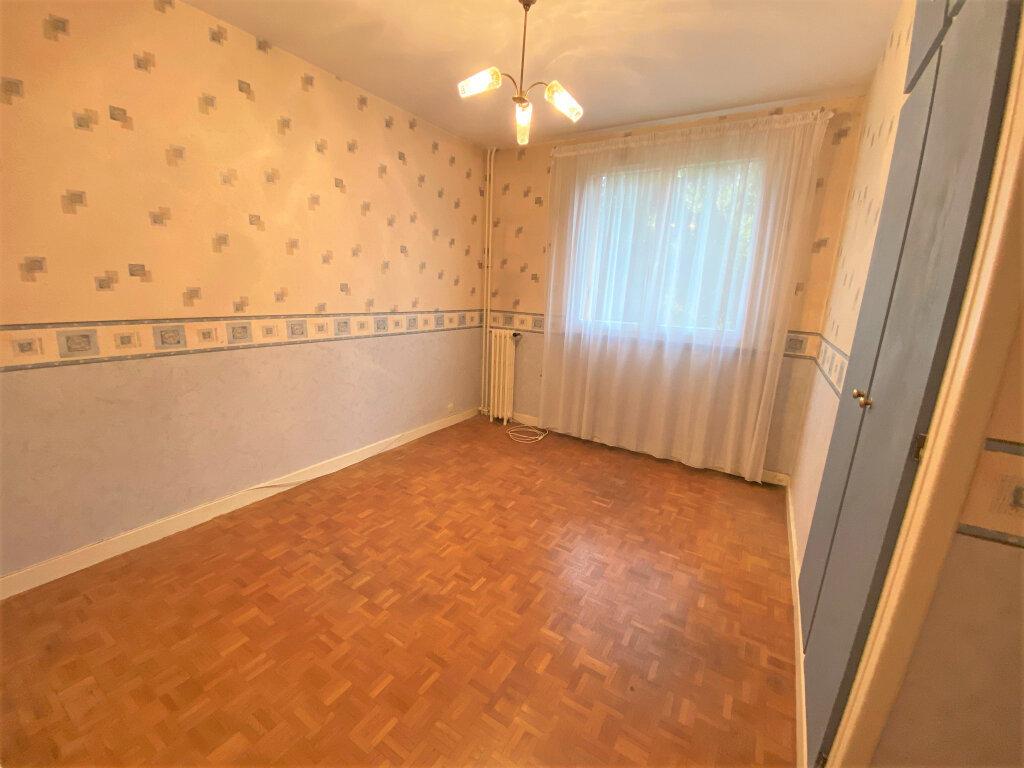 Appartement à vendre 4 66m2 à Clamart vignette-6