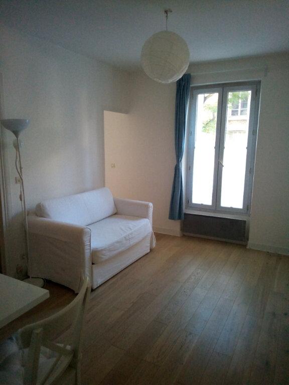 Appartement à louer 2 29.17m2 à Clamart vignette-1