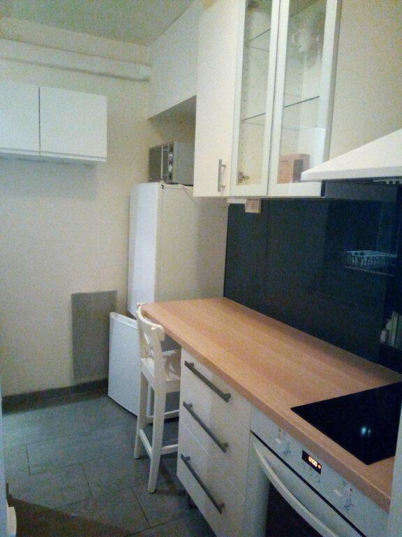 Appartement à louer 2 29.17m2 à Clamart vignette-3