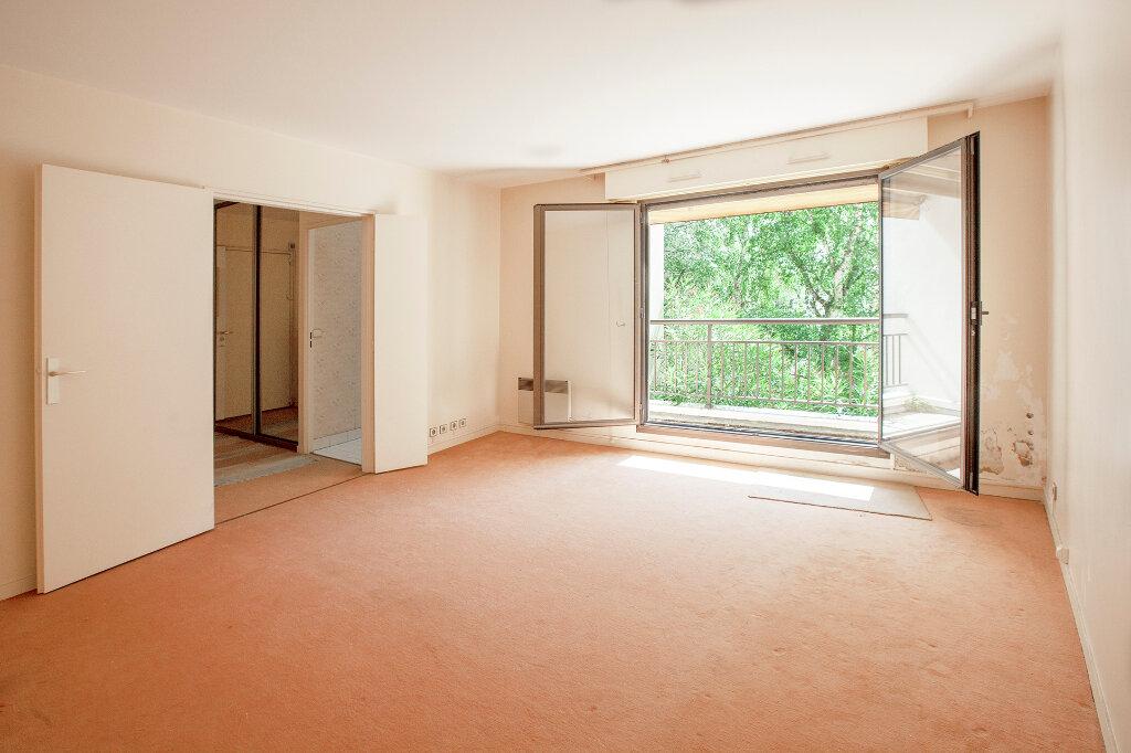 Appartement à vendre 3 62.61m2 à Paris 13 vignette-1