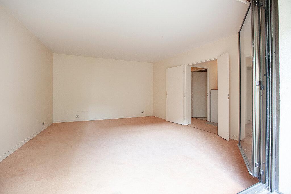 Appartement à vendre 3 62.61m2 à Paris 13 vignette-2