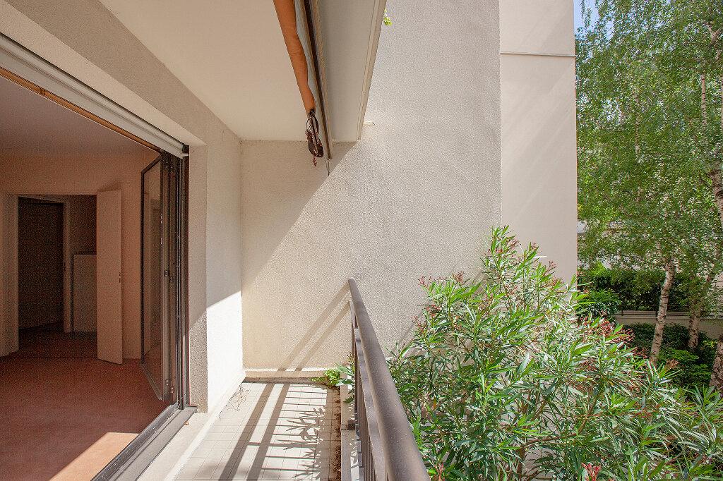 Appartement à vendre 3 62.61m2 à Paris 13 vignette-4