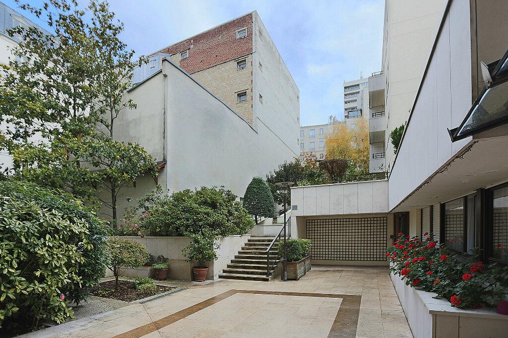 Appartement à vendre 3 62.61m2 à Paris 13 vignette-12
