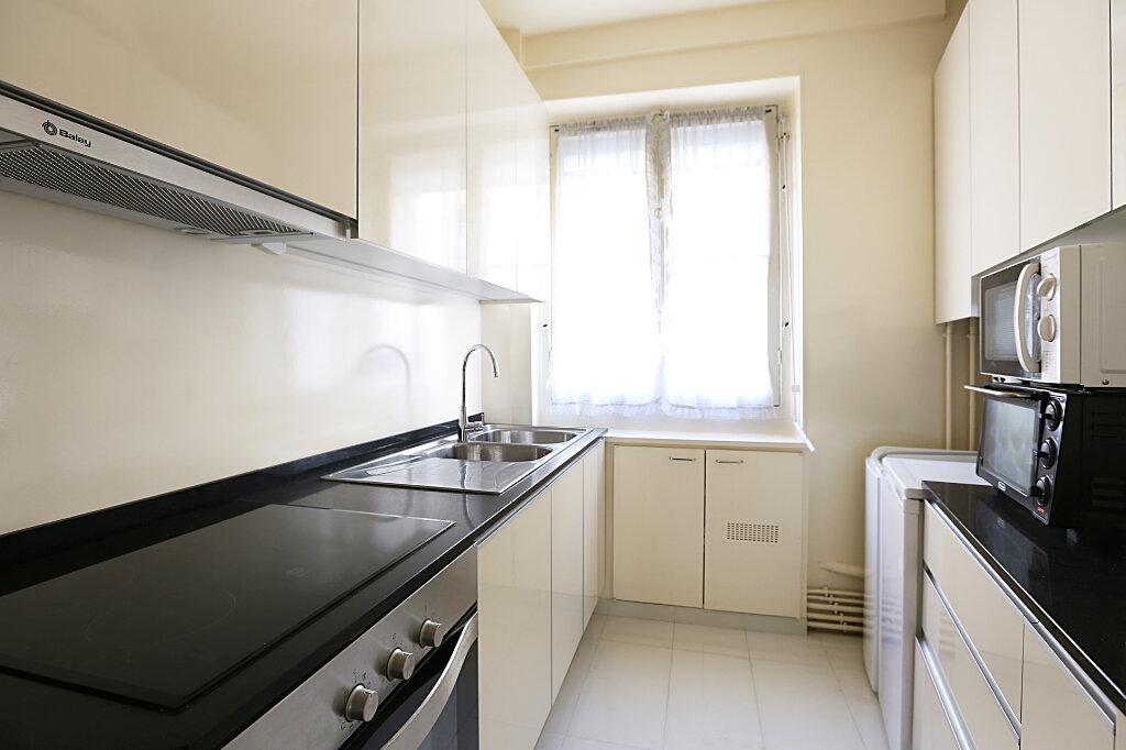 Appartement à louer 3 66.26m2 à Paris 4 vignette-2