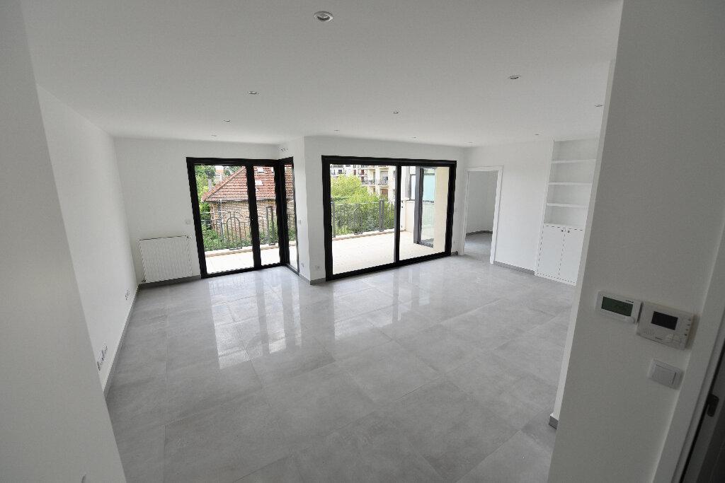 Appartement à vendre 4 85.73m2 à La Varenne - Saint-Maur-des-Fossés vignette-5
