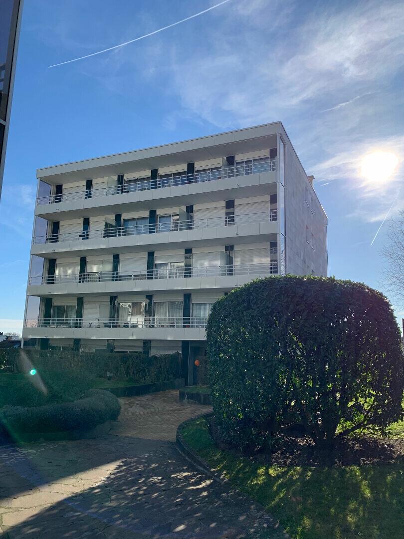 Appartement à louer 1 25.44m2 à Fontenay-sous-Bois vignette-1
