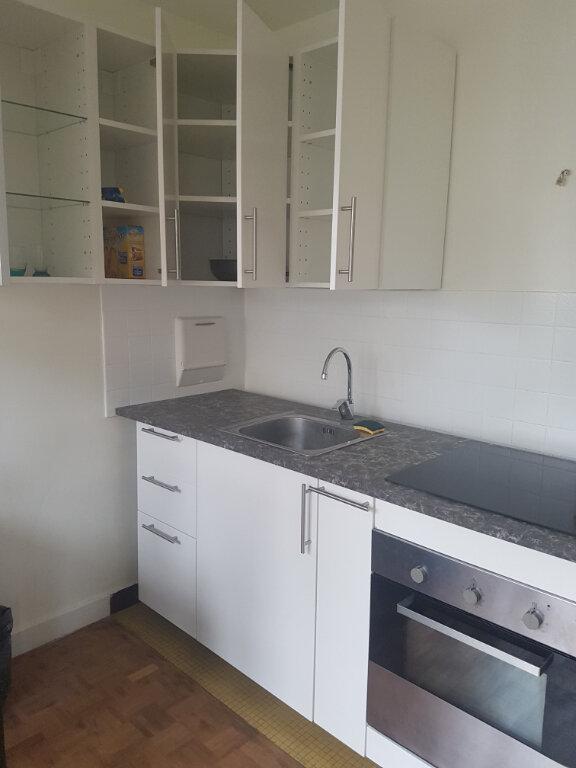 Appartement à louer 1 32m2 à Nogent-sur-Marne vignette-3