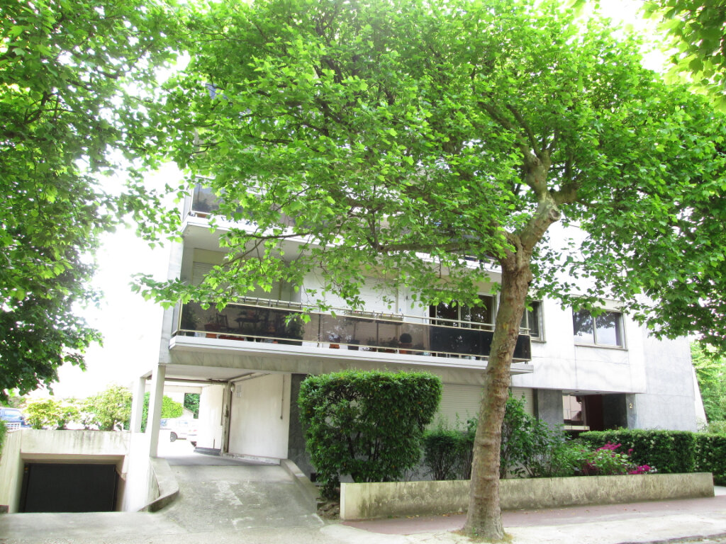 Appartement à louer 2 48m2 à Saint-Maur-des-Fossés vignette-1