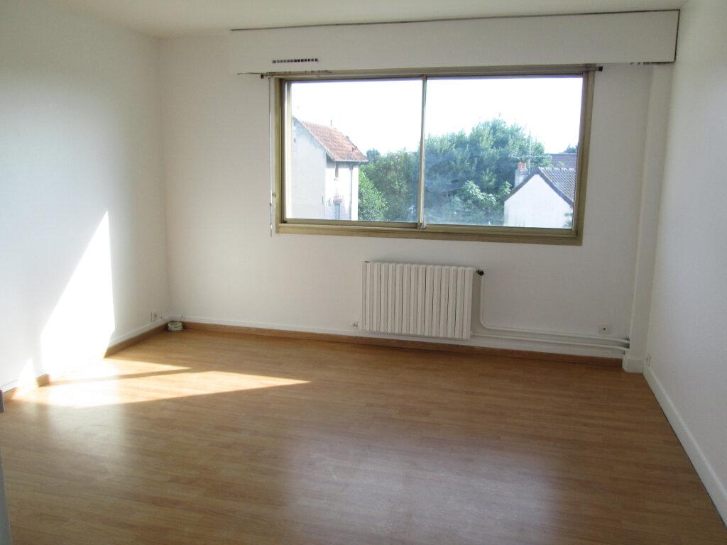 Appartement à louer 2 48m2 à Saint-Maur-des-Fossés vignette-2