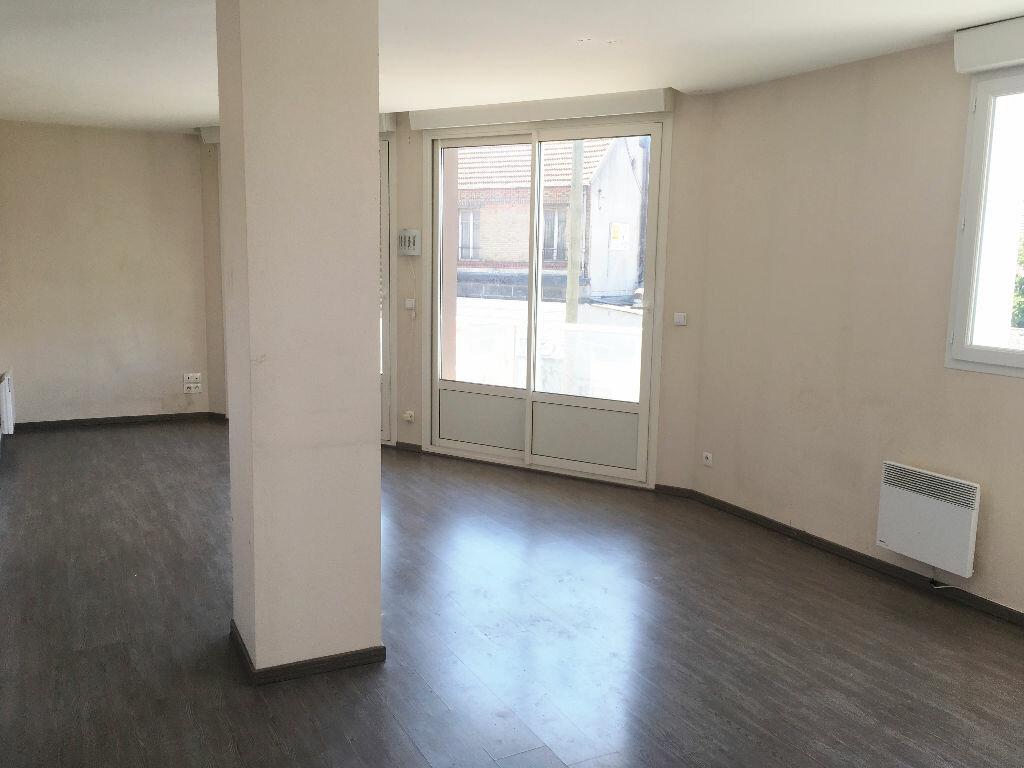 Appartement à louer 3 74.18m2 à Noisy-le-Grand vignette-2