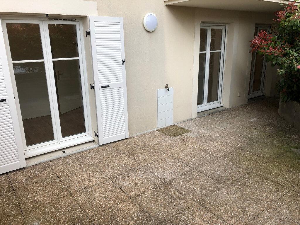 Appartement à louer 4 72.35m2 à Noisy-le-Grand vignette-6