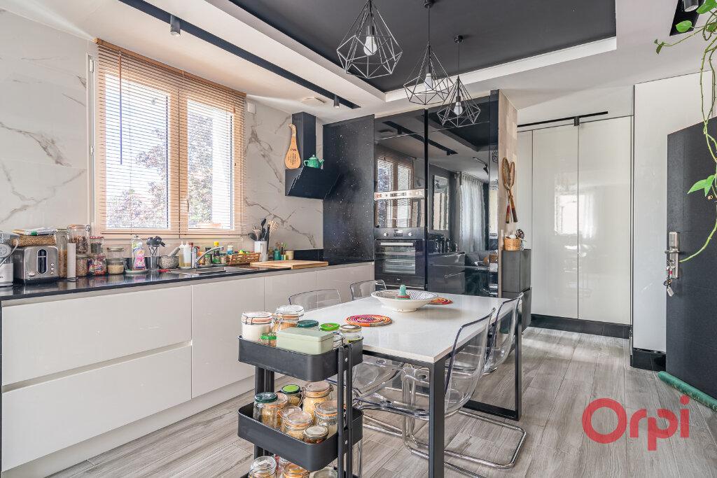 Appartement à vendre 3 72.3m2 à Villiers-sur-Marne vignette-3
