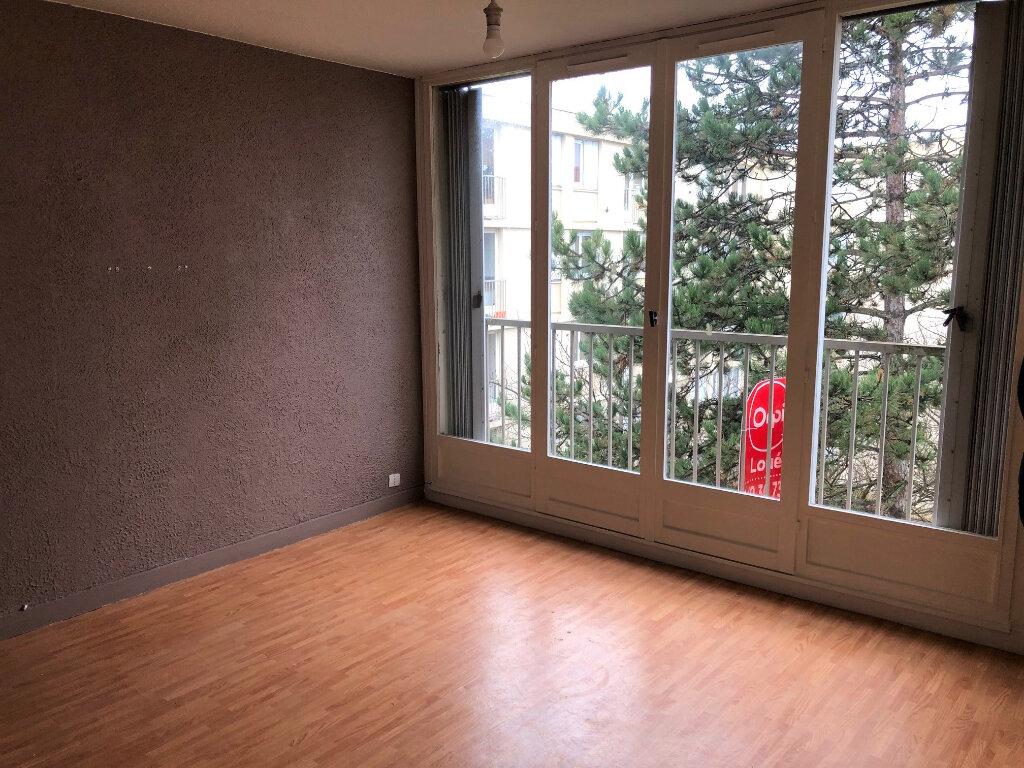 Appartement à louer 1 30.81m2 à Le Plessis-Trévise vignette-2