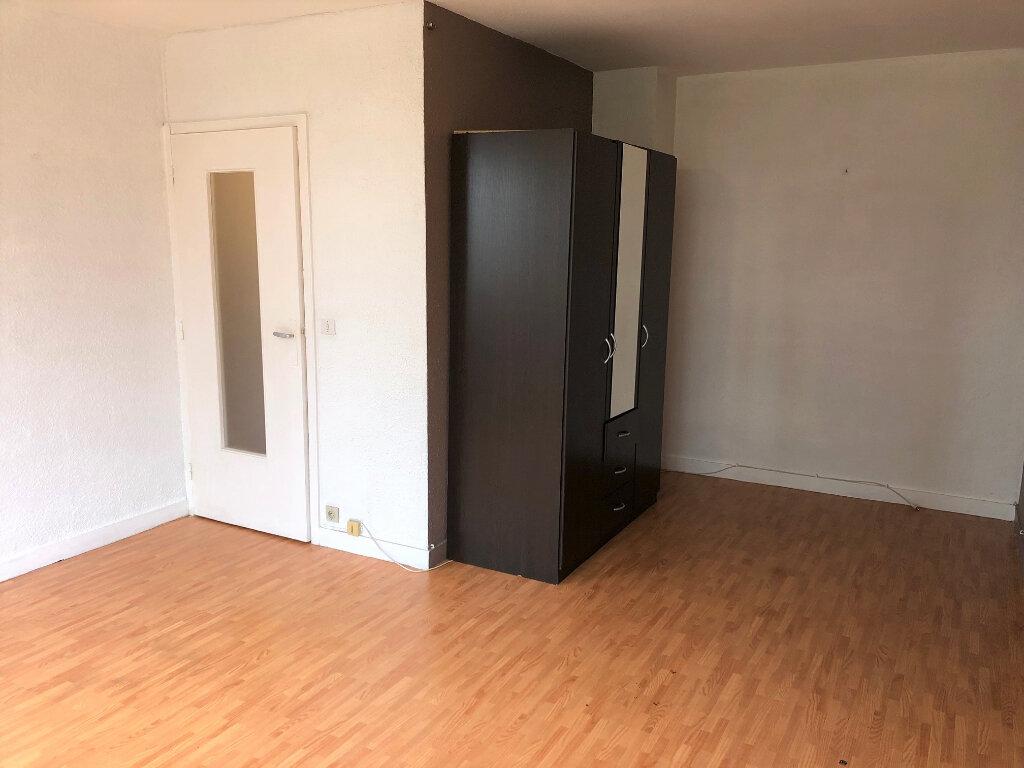 Appartement à louer 1 30.81m2 à Le Plessis-Trévise vignette-3