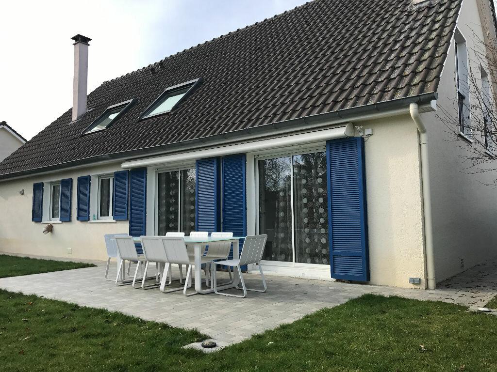 Maison à vendre 7 180m2 à La Queue-en-Brie vignette-1