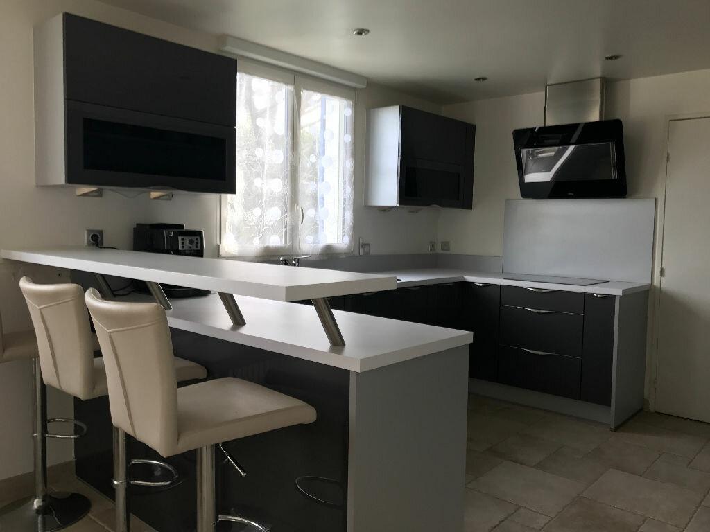 Maison à vendre 7 180m2 à La Queue-en-Brie vignette-8