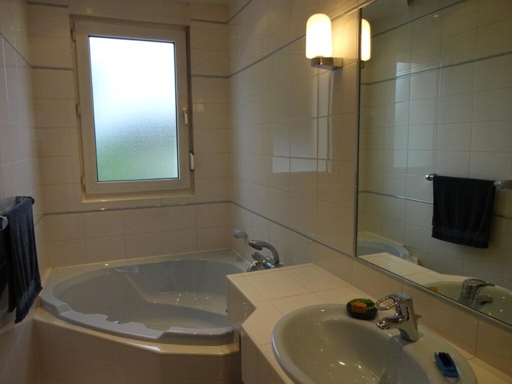 Maison à vendre 5 100m2 à Ormesson-sur-Marne vignette-5