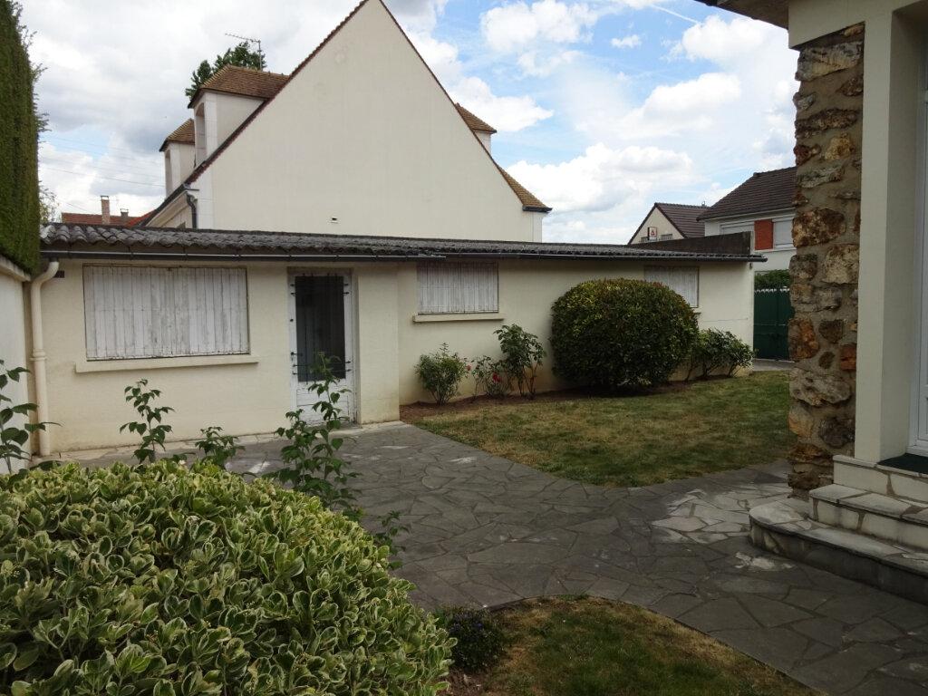 Maison à vendre 5 100m2 à Ormesson-sur-Marne vignette-12