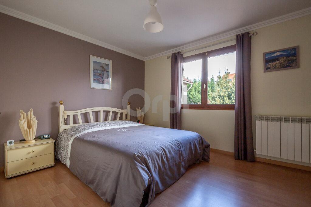 Maison à vendre 7 200m2 à Ormesson-sur-Marne vignette-4