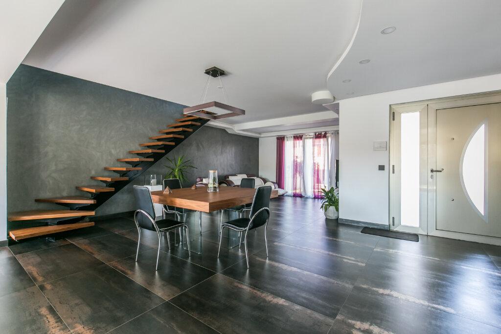 Maison à vendre 7 198m2 à Chennevières-sur-Marne vignette-4