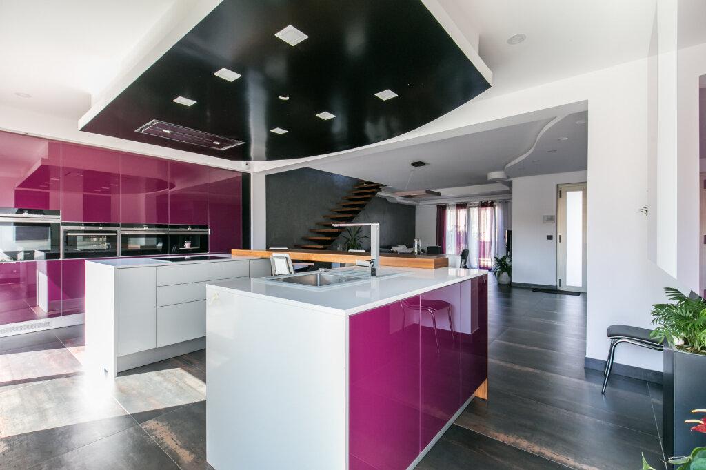 Maison à vendre 7 198m2 à Chennevières-sur-Marne vignette-5