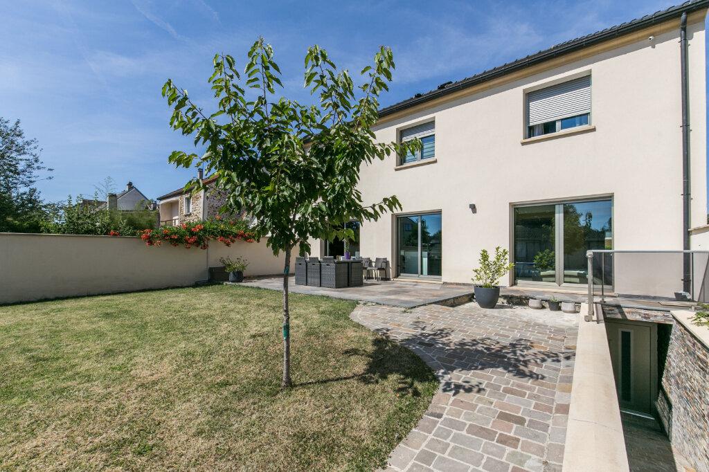 Maison à vendre 7 198m2 à Chennevières-sur-Marne vignette-7