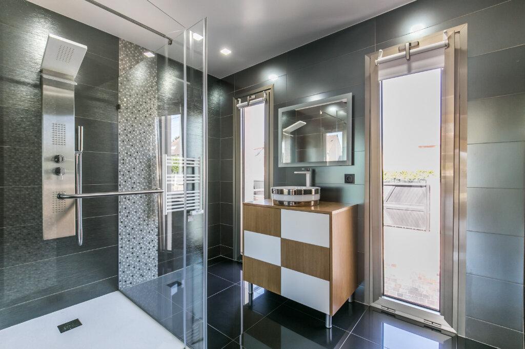 Maison à vendre 7 198m2 à Chennevières-sur-Marne vignette-11